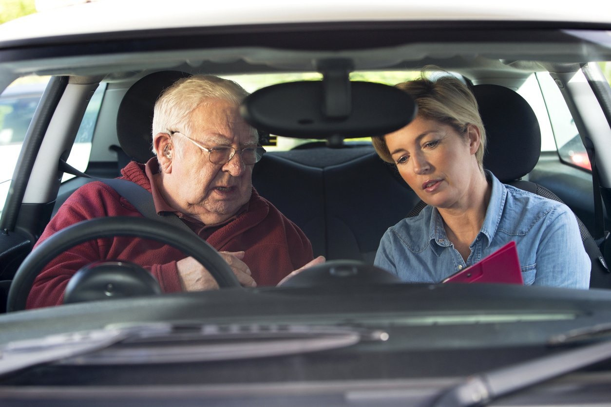 Driving schools call upon full licence holders to help with the driving test backlog